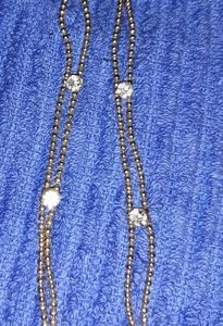 Jewelry - Gold and rhinestone dangle